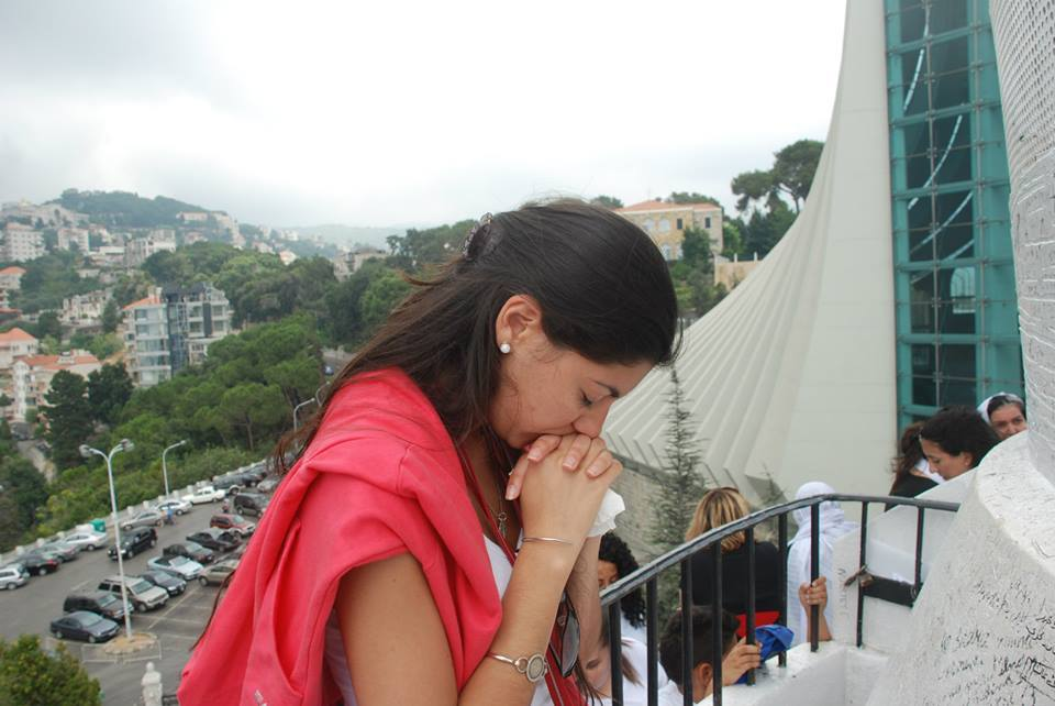 Harissa- Belen praying